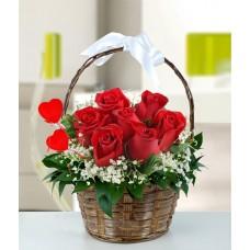 sepette kımızı güller